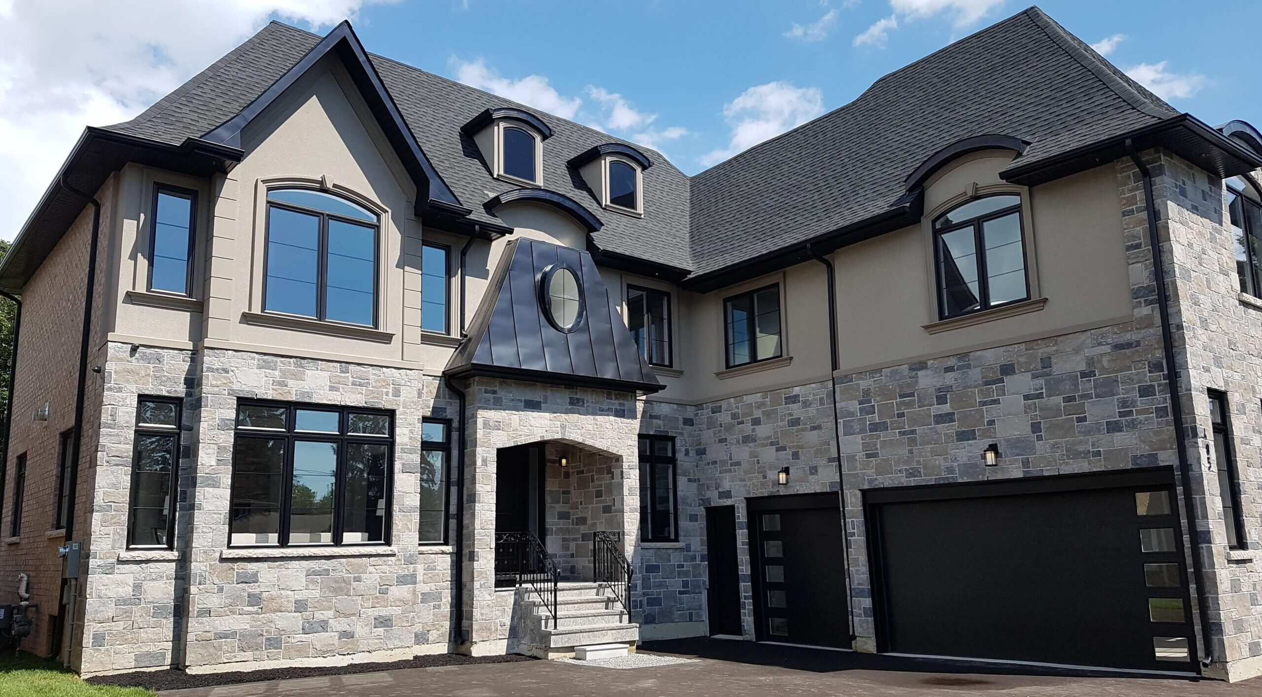 Build Custom Homes In Pickering - AK Design & Build