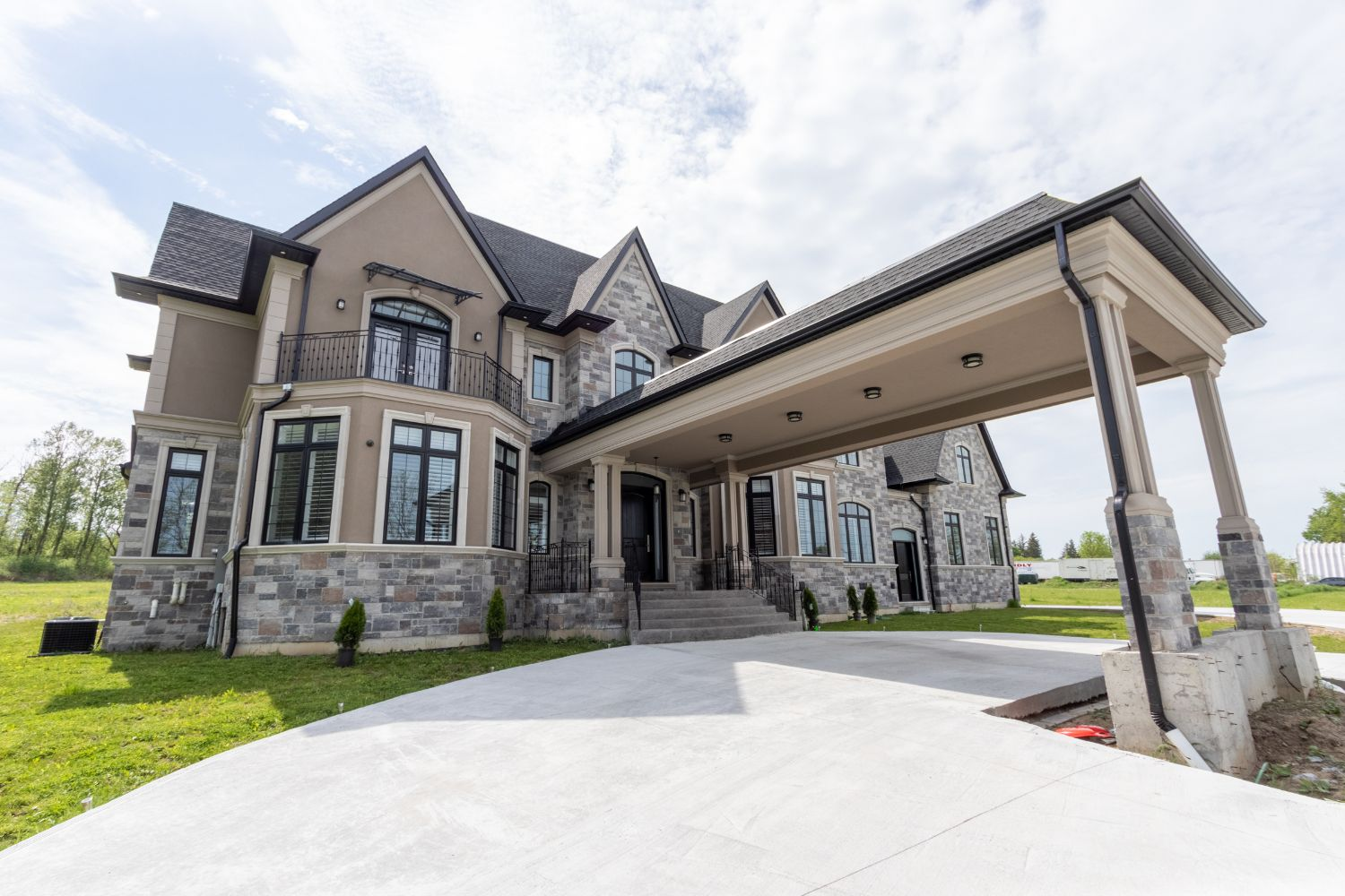 Custom Homes Build | Pickering - AK Design & Build